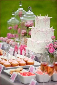chic dessert table2