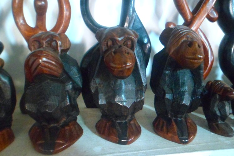 Emoji Monkey Monkeys Wood Carving Sal Cape Verde Santa Maria SAM_1840
