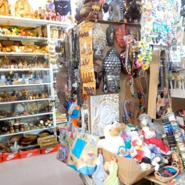 Mauritius Grand Baie cherrylsblog.com shopping bazar DSCN8837