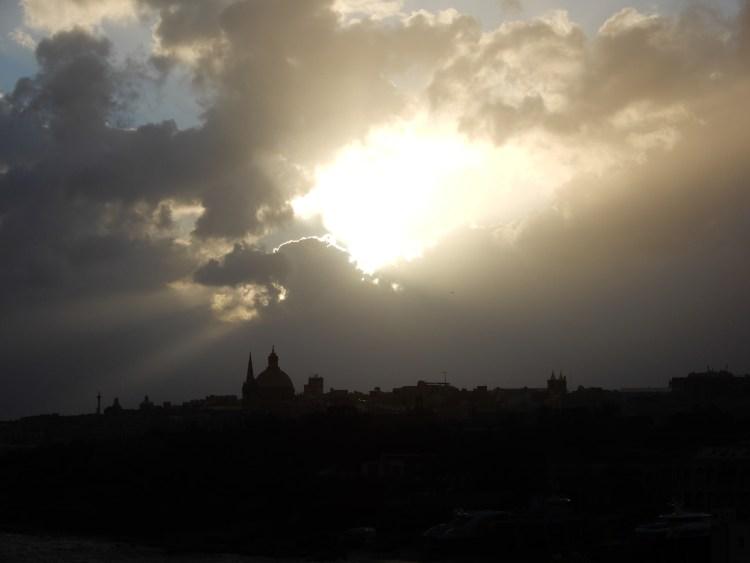 Malta Valletta cherrylsblog.com sunrise DSCN8449