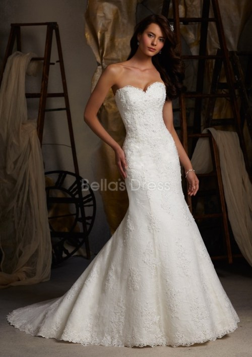 vintage lace wedding dresses with sweetheart necklines
