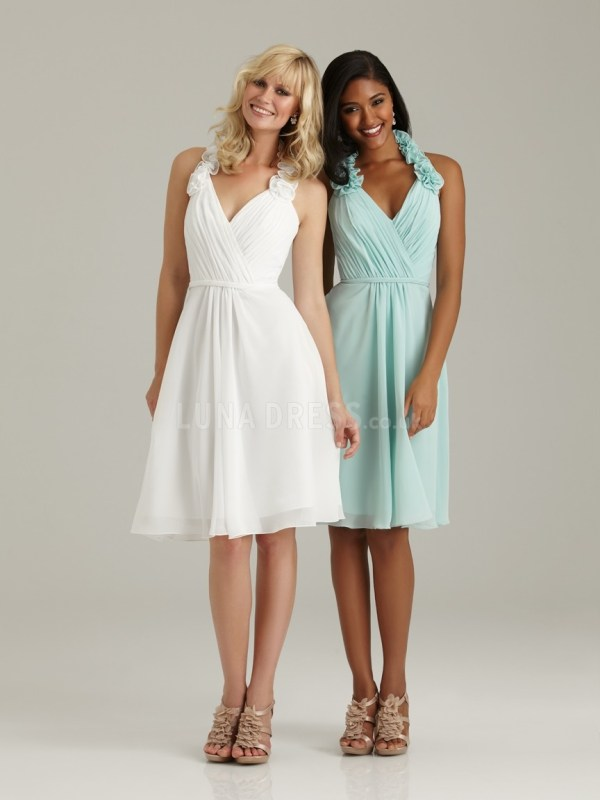 summer white and light green bridesmaid dresses