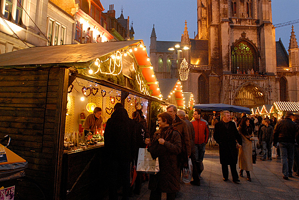 ghent-xmas-market-people