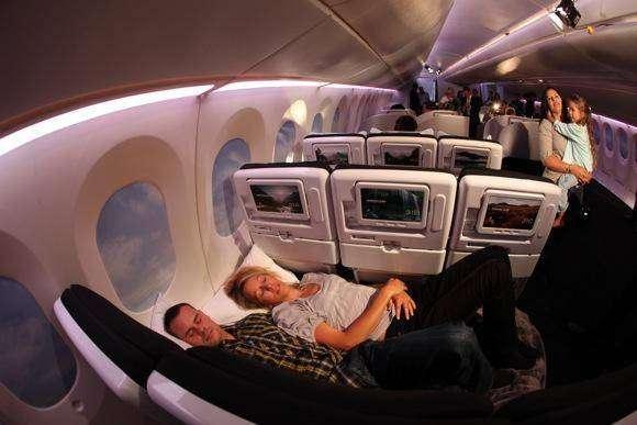Комфортный самолет (9 фото)