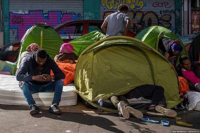 Мигранты захватывают Париж