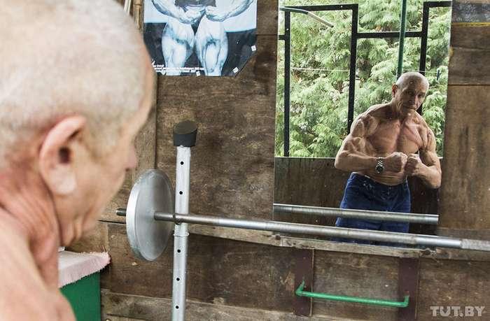 Как 70-летнему бодибилдеру удается не стареть