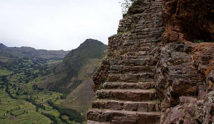 Самые страшные и опасные лестницы мира