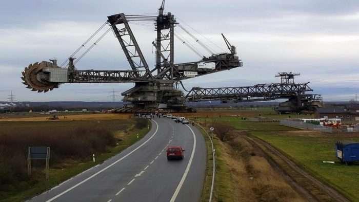 6 огромных машин, каждая из которых способна перевезти целый небоскреб