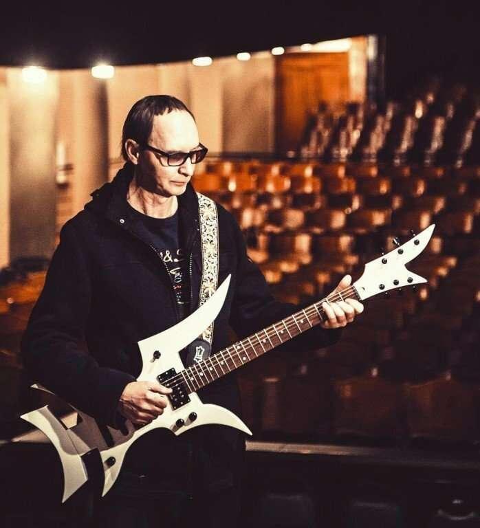 Необычные гитары-15 фото-