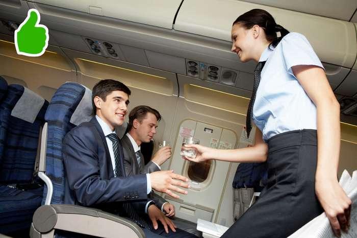 Зачем стюардессы здороваются спассажирами при посадке? (Спойлер: Они проверяют нас по7пунктам)