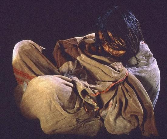 Ученые нашли следы коки и алкоголя в мумиях детей инков
