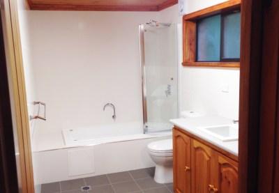 Main Bathroom - Suvretta