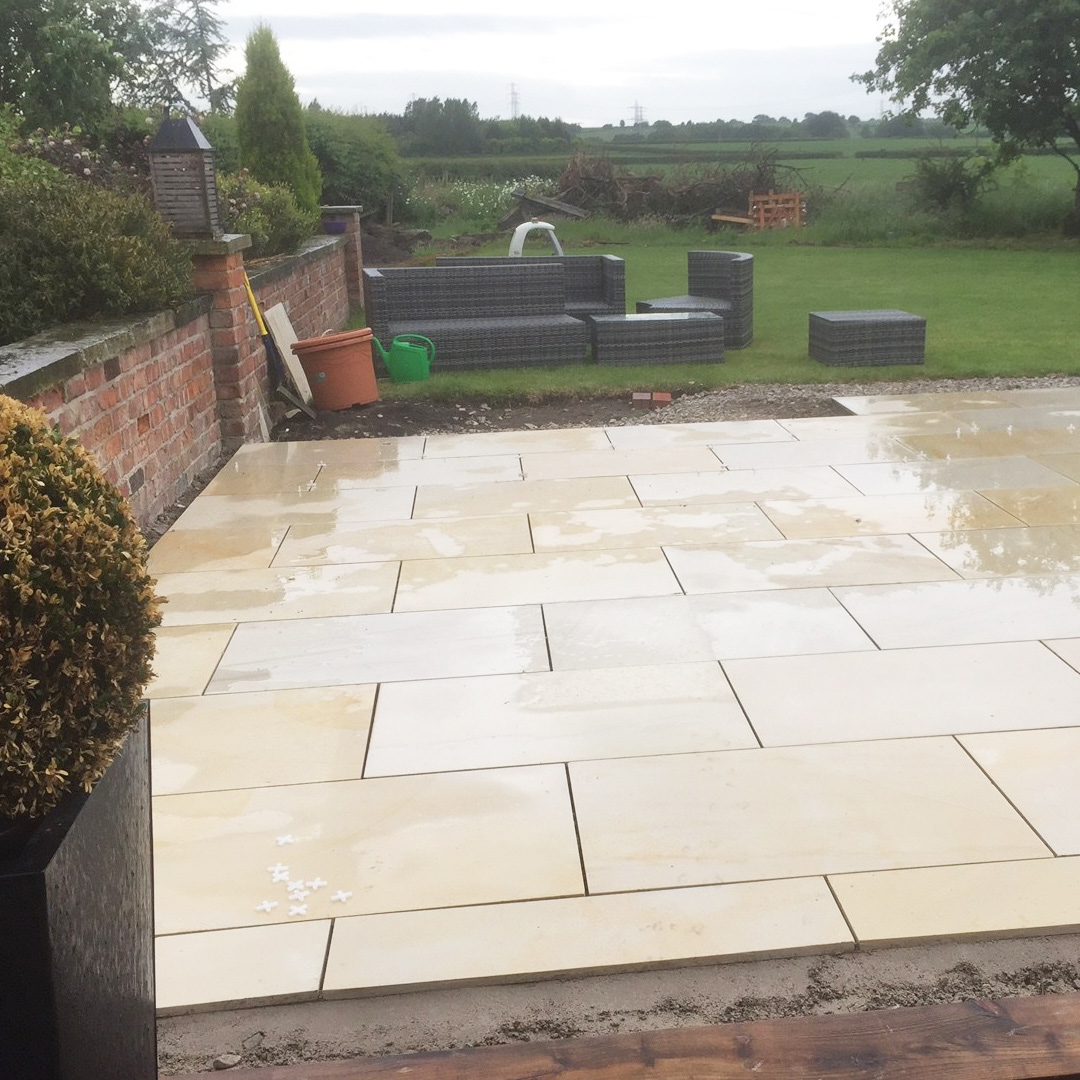 Mint sawn smooth sandstone paving pack 900x600 single for Smooth stones for landscaping