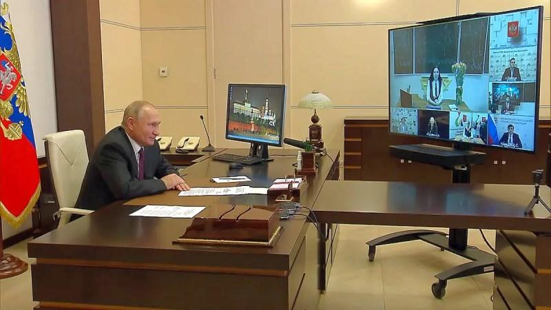 Учительница из Кольчугино пообщалась с Владимиром Путиным