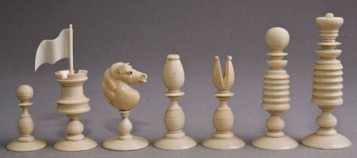 Calvert Type II English Playing Chess set