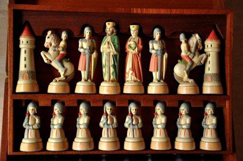 Anri Charlemagne Chess Set
