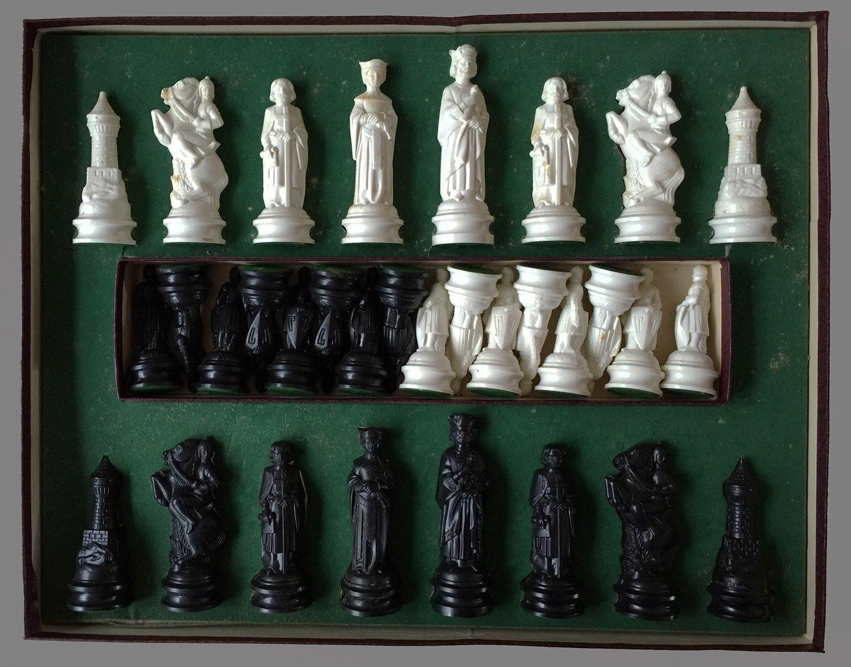 E s lowe renaissance chess set - Chess board display case ...