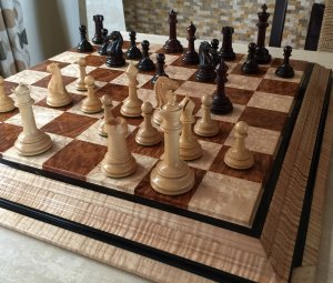 British Chess Company Bois de Rose Royal Chessmen