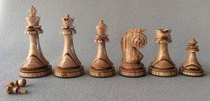 Avant Garde Staunton Chessmen