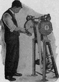 Stitch and Upper Cleaning Machine