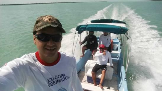 tour de pesca en la bahia de chetumal (1)