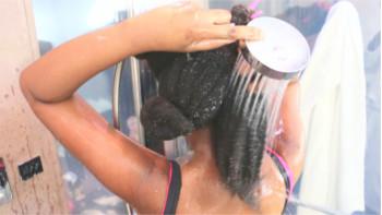 Permalink to: Vos questions : Comment rendre les cheveux crépus plus souple ?