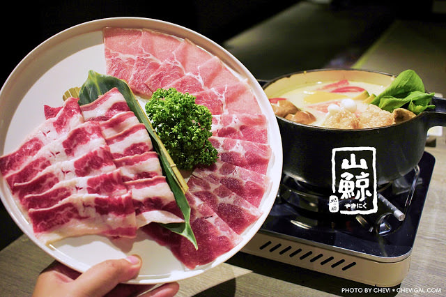 台中北區│山鯨燒肉*不用特地飛去日本也能賞美麗楓紅!超澎派燒肉大餐還送暖暖鍋物!