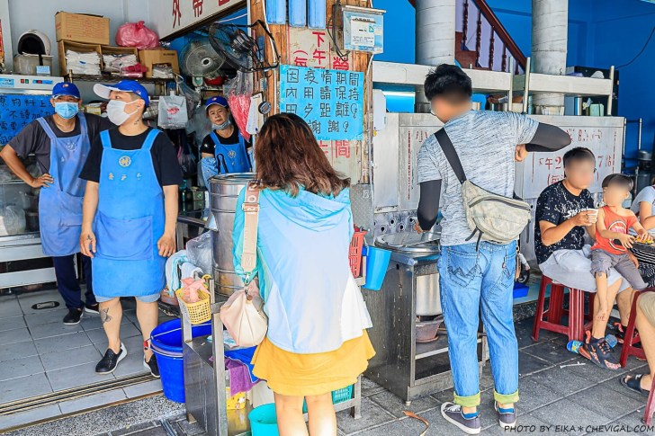 20200908193252 78 - 每天只賣五小時!台中人氣臭豆腐,開攤不用半小時就座無虛席,還有紅茶與湯品無限享用!