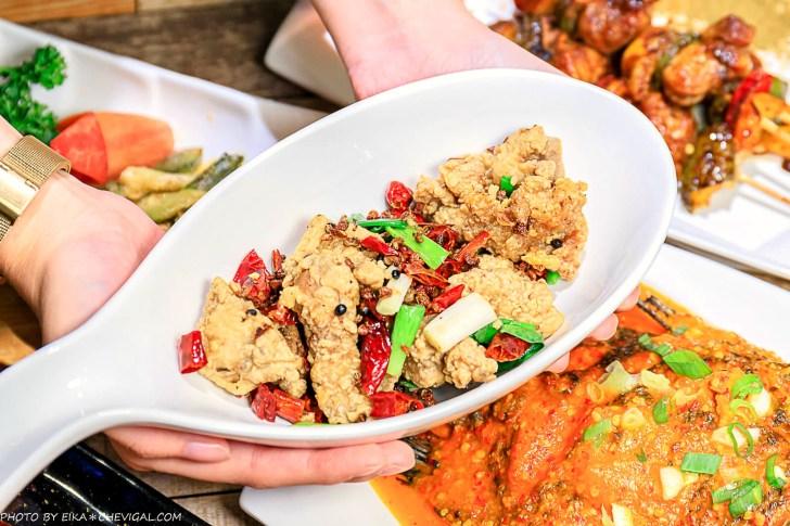 20201230144147 51 - 熱血採訪∣台中南洋風味料理,這天來吃滿額就送鹽烤蝦!二樓還有隱藏包廂KTV和飛鏢機,包場也沒問題!