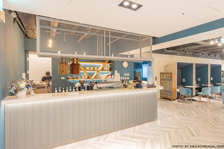 20210406185602 37 - 咖啡任務最新分店超隱密!隱身在商辦大樓裡的質感咖啡廳,27樓可遠眺草悟道與台中街景!