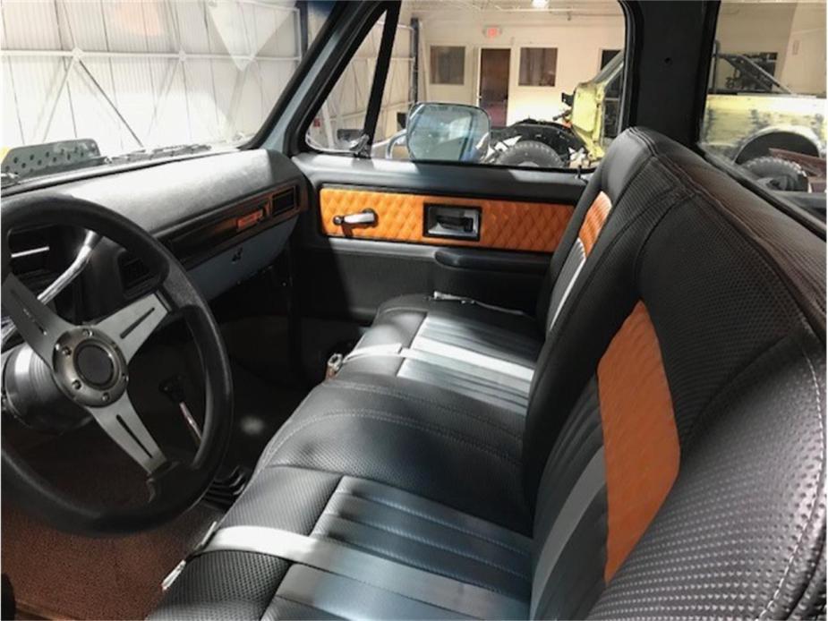 1977 Chevy K10 custom interior.