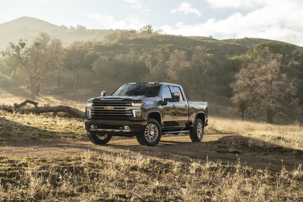 2020 Chevrolet Silverado HD Debuts with Class-Topping Tow