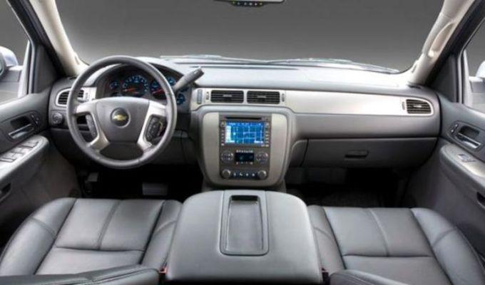 2019 Chevrolet Avalanche Interior