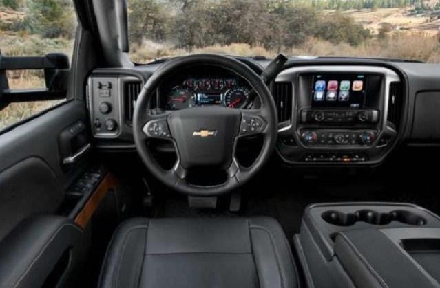 2020 Chevrolet Silverado Interior