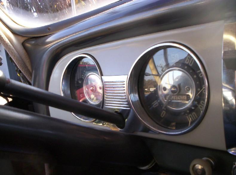 1951 Chevrolet Dash Photos