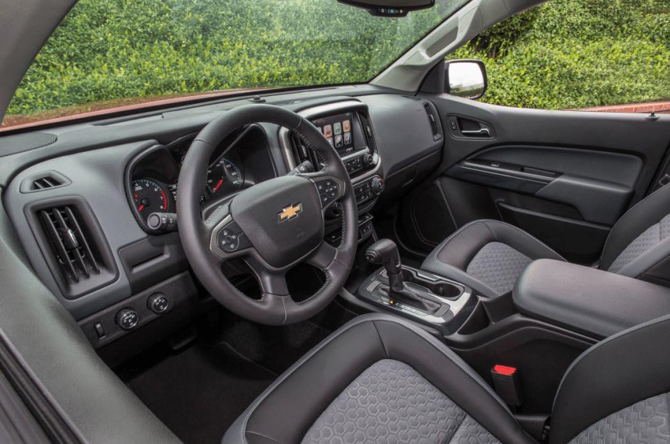 2022 Chevy Colorado Truck Interior