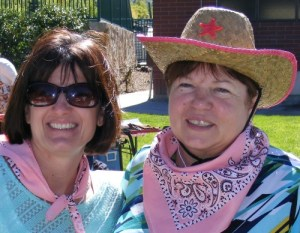 The Pink Bandits! Kathy Stephenson of the Salt Lake Tribune and , Valerie Phillips (photo by Nancy Stohs of the Milwaukee Journal Sentinel)