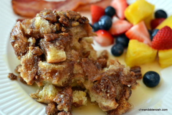 Slow Cooker French Toast Casserole - Chew Nibble Nosh