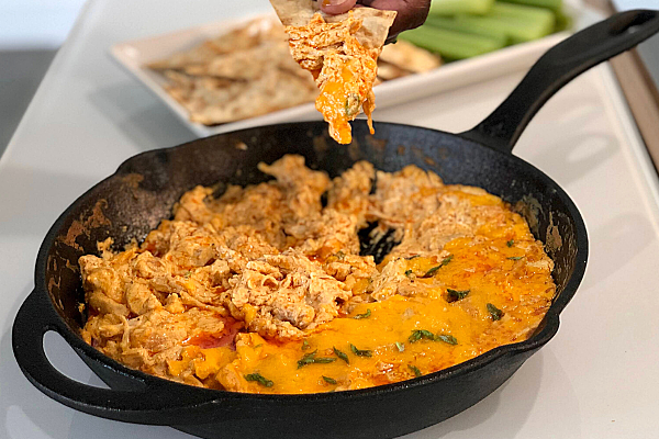 Buffalo Chicken Dip with Flatbread Chips