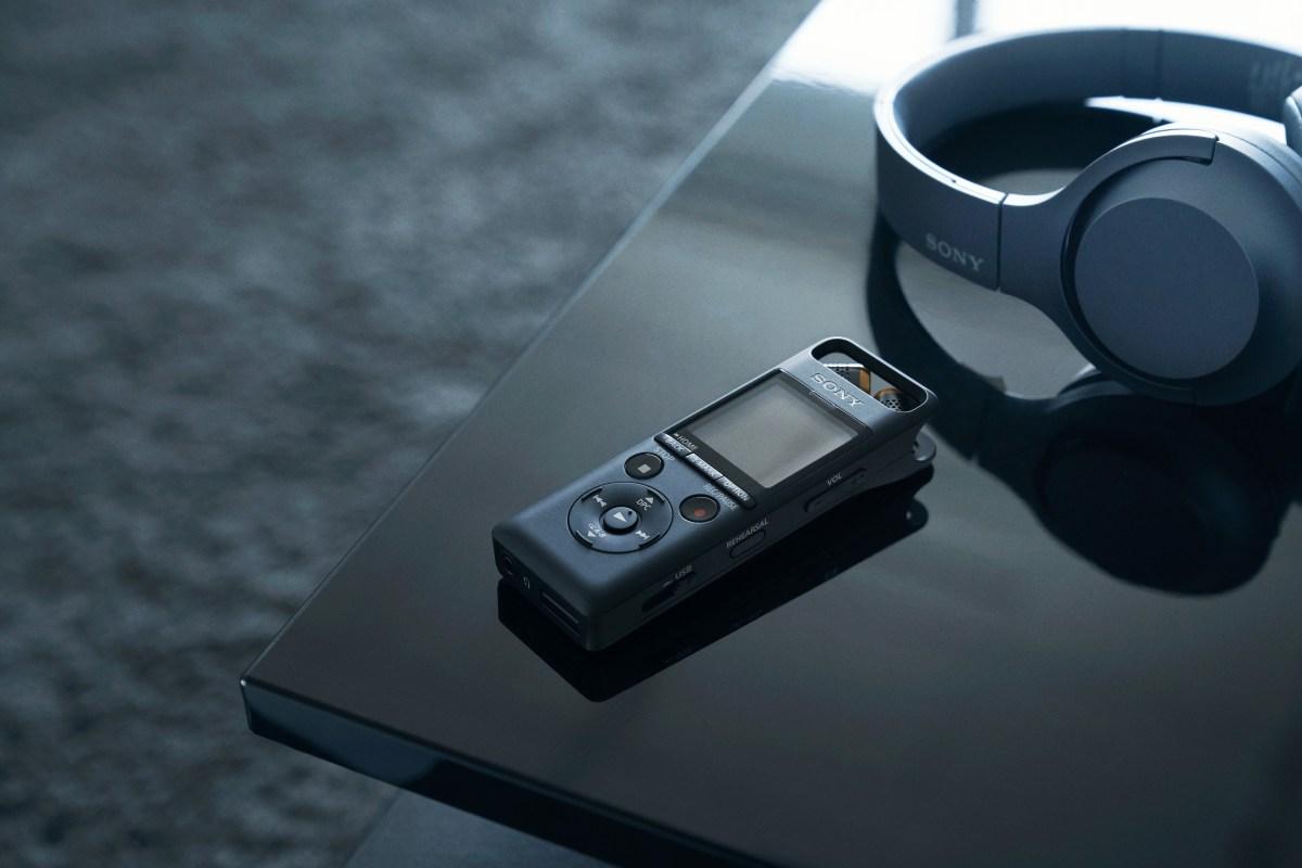 圖3 )sony Pcm A10線性錄音筆可透過nfc或藍牙連結耳機或喇叭裝置,輕鬆播放音訊,使用更便利具彈性。
