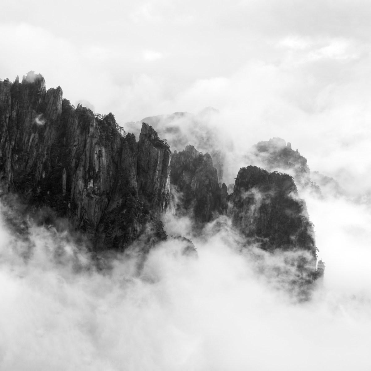 方鵬綱 山的意象 1