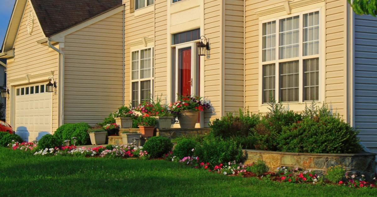 small landscaping services in cheyenne www.cheyennehauling.com