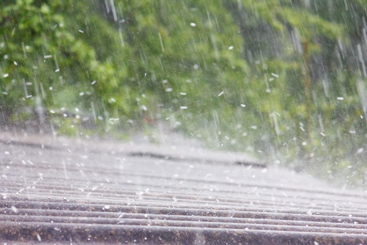 hail damage handyman service www.cheyennehauling.com