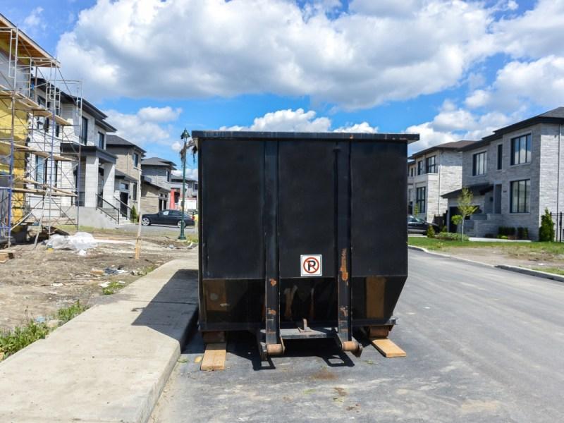 dumpster rental versus junk removal services www.cheyennehauling.com