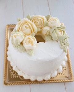 バタークリームケーキ, 米粉, 米粉シフォン,バタークリームお花絞り