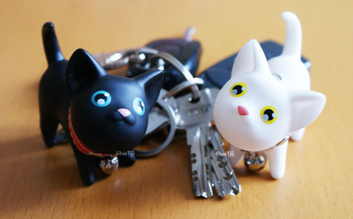 porte-clef-mignon-kawaii-chat-noir-blanc