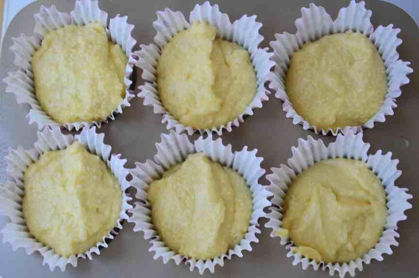 Lemon Drizzle Muffins (6)