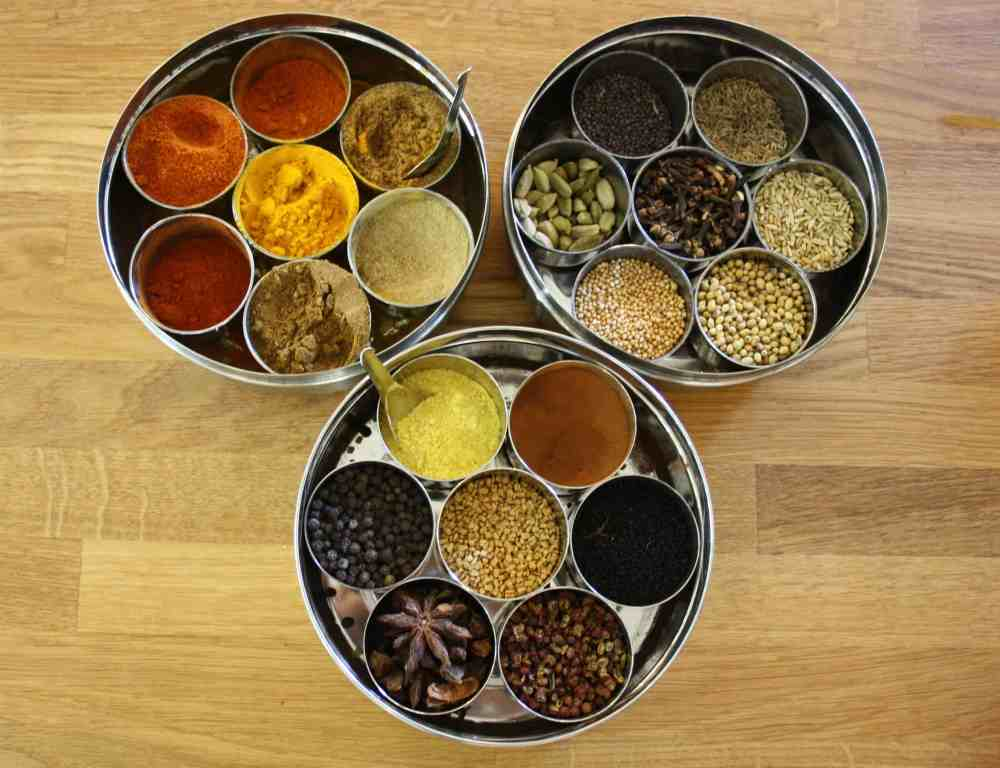 This is an easy and fresh version of Massaman curry paste made with dried chillies, peanuts, toasted spices, garlic, ginger, shallot, lemon and coriander.