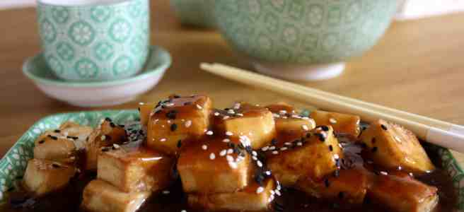 Sesame Garlic Tofu is a vegetarian dish that is packed full of flavour and cooked in under 10 minutes for a delicious and satisfying meal.