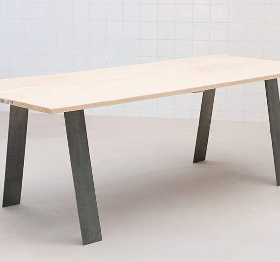 des pieds sous ma table pour de la d co versatile diy. Black Bedroom Furniture Sets. Home Design Ideas